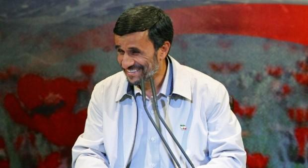 آیا اصلاحات جدید مالیاتی احمدینژاد او را وارد صحنه درگیری با روحانیان خواهد کرد؟