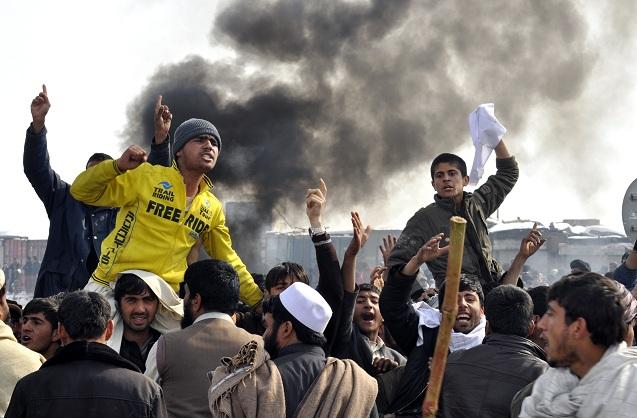 اعتراضات مردمی به سوزاندن قرآن در افغانستان به خشونت کشیده شد