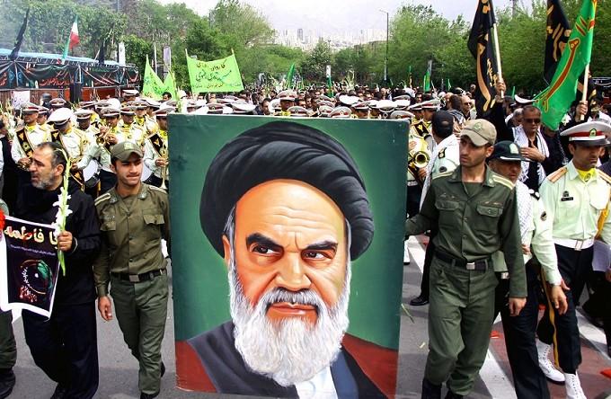 جنگ هشت ساله ایران و عراق چه تقدسی برای ایران به ارمغان آورد؟