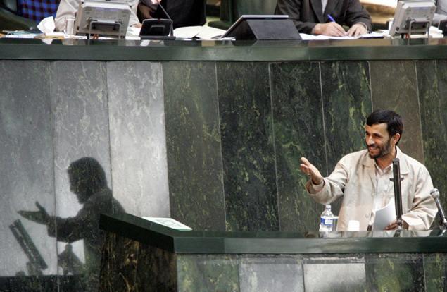 احمدینژاد: در جلسه سوال از رئیس جمهور ناگفته ها را می گویم
