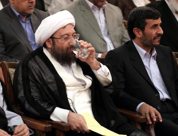 پاسخ علنی احمدی نژاد به نامه «خیلی محرمانه» لاریجانی