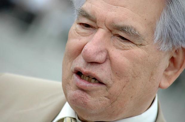 تأسیس جایزهای به نام چنگیز آیتماتف، نویسنده قرقیز
