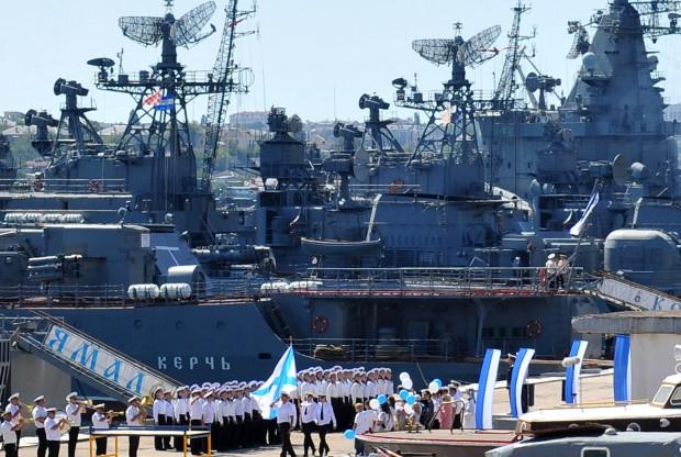 روسیه مانور دریایی در مجاور ساحل سوریه برگزار می کند