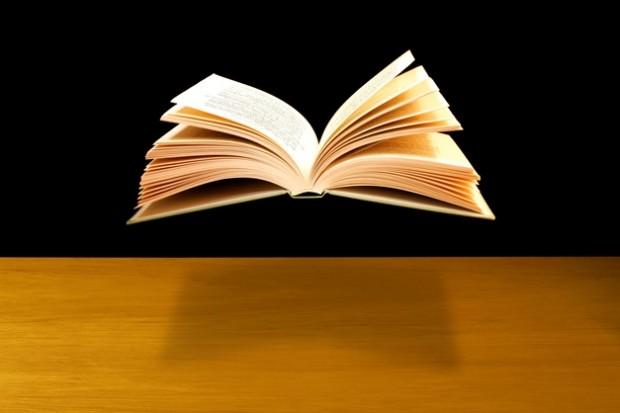 رونق نویسندگی و بحران کتابخوانی