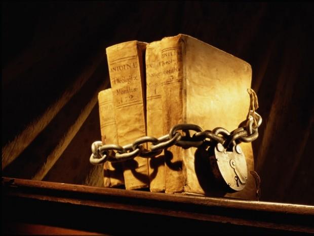 سایه سنگین حوزههای علمیه بر نمایشگاه کتاب تهران