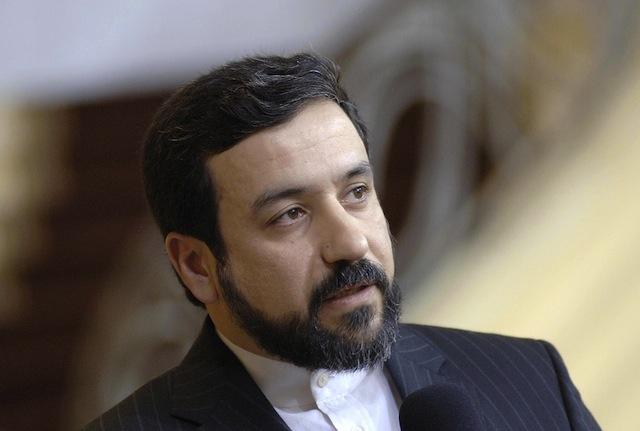 استقبال مشروط وزارت خارجه ایران از سفر استراو به ایران