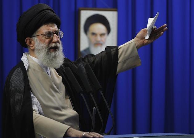 رهبر ایران می گوید به مذاکره با آمریکا خوش بین نیست