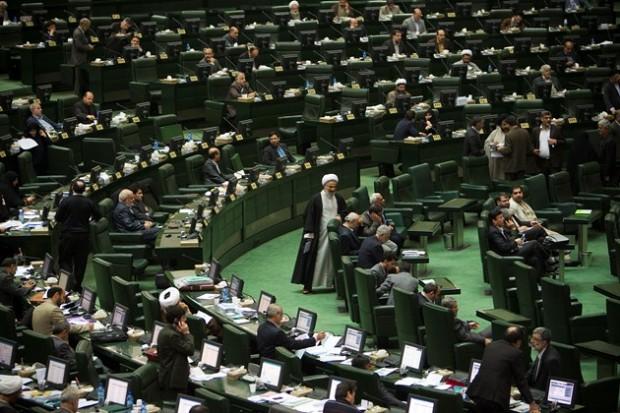خبرهای متفاوت درباره تشکیل فراکسیون جدید در مجلس برای حمایت از دولت یازدهم