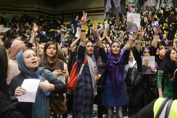 ستاد روحانی از فضای باز سیاسی انتخابات استقبال می کند