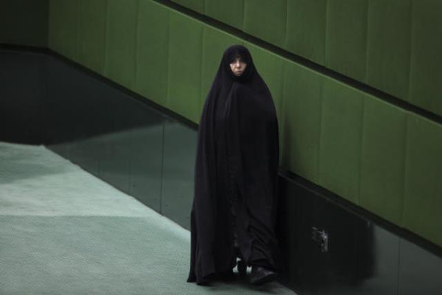 جای خالی زنان از دولت تا مجلس ایران