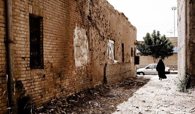 خانه های جنگزده که همچنان خرابه باقی مانده اند