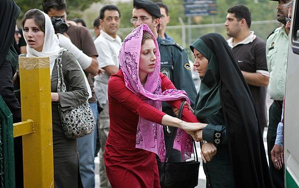 حجاب و بدحجاب؛ چالش چندین دهه ای در ایران