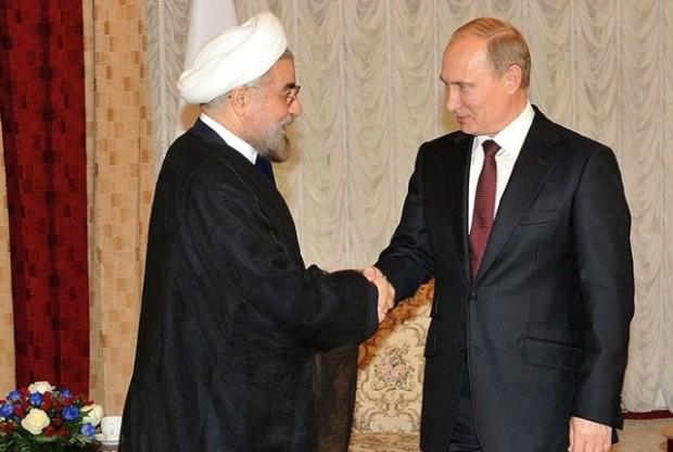 ولادیمیر پوتین رئیس جمهور روسیه (راست) حسن روحانی رئیس جمهور ایران