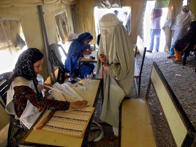 گامهای ابتدایی افغانستان برای نخستین انتقال مسالمت آمیز قدرت