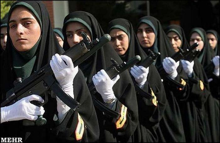 به کارگیری زنان در یگان ویژه پلیس ایران