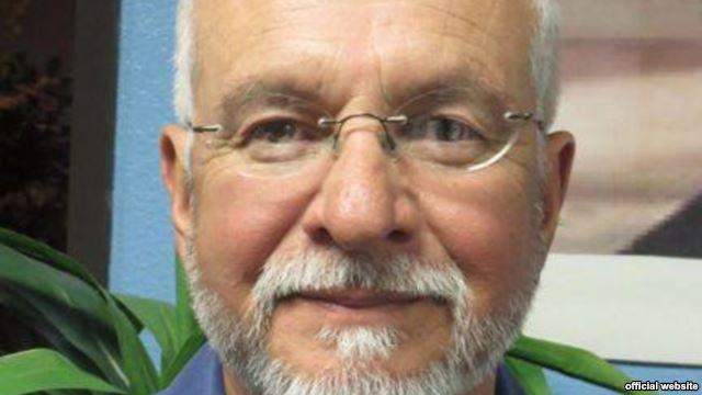 کشیش آمریکایی بازداشتشده در تهران آزاد شد