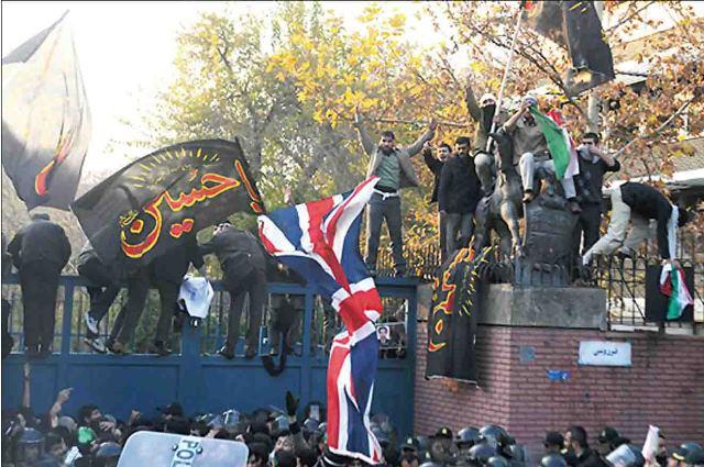 ایران و بریتانیا کاردارهای خود را به پایتخت های یکدیگر می فرستند