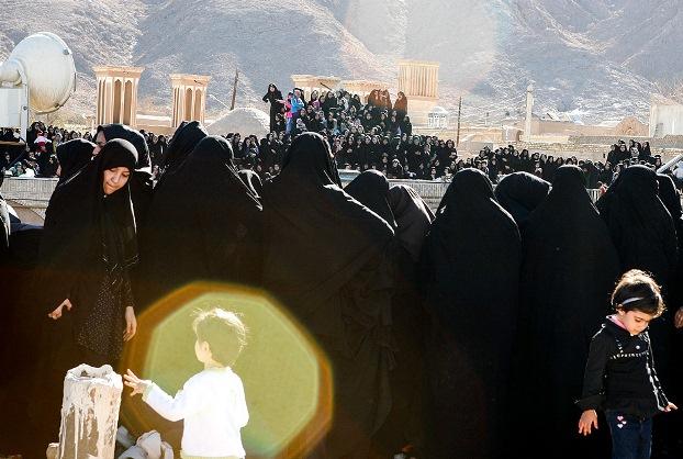 تصاویر مراسم نخل گردانی روز عاشورا در تفت