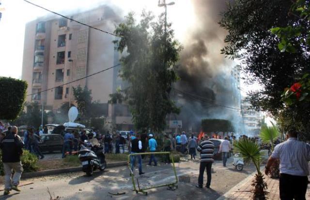 دو انفجار شدید در مقابل سفارت ایران در بیروت