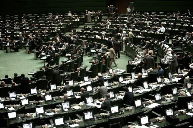 بحث درباره گروه دوستی پارلمانی ایران و آمریکا ادامه دارد