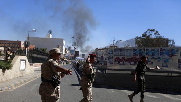 حمله انتحاری به وزارت دفاع یمن ۳۰ کشته به جای گذاشت
