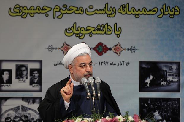 روحانی در مراسم روز دانشجو بر وعدههای سیاسی که به مردم داده تاکید کرد