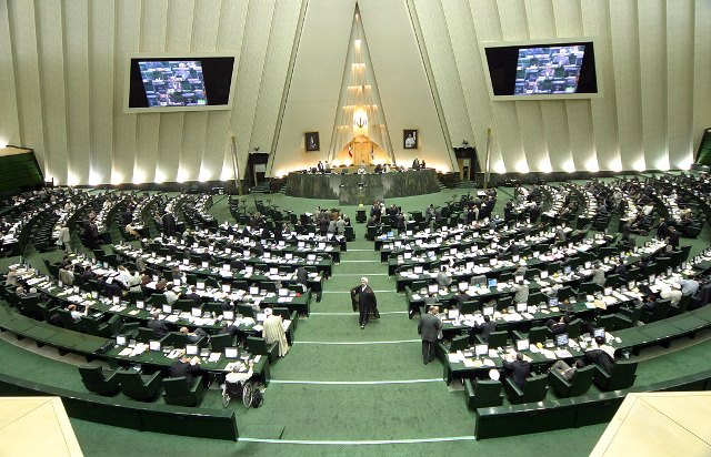 تلاش برای ارتباط پارلمانی ایران با بریتانیا و آمریکا