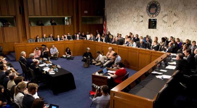 """سنای آمریکا """"فعلا"""" تحریمهای بیشتر علیه ایران را تصویب نکرد"""