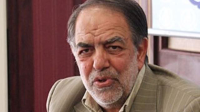 مشاور روحانی از احمدی نژاد خواست از مردم عذرخواهی کند