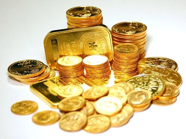 نرخ دلار ۱۵۰ ریال و سکه ۳۵ هزار ریال افت کرد