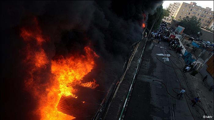 شکایت بازماندگان آتشسوزی تهران از ماموران آتشنشانی