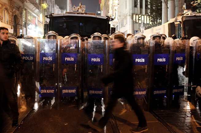 ۵۰۰ نیروی دیگر پلیس ترکیه برکنار شدند