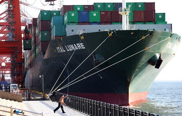آغاز مذاکره برای فعالیت شرکت های کشتیرانی اروپا در ایران