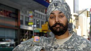 ارتش آمریکا گذاشتن عمامه و بلند کردن ریش را آزاد کرد