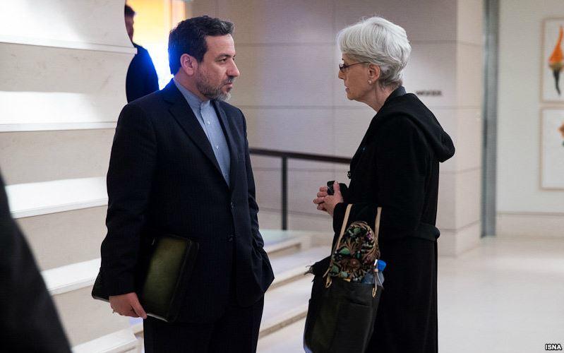 معاونان وزرای خارجه ایران و آمریکا مذاکره میکنند