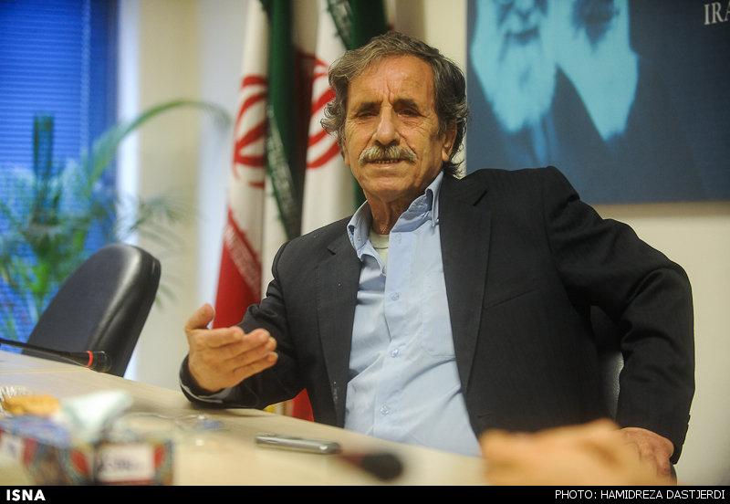 ممنوعالکاری بهخاطر شباهت با احمدینژاد!