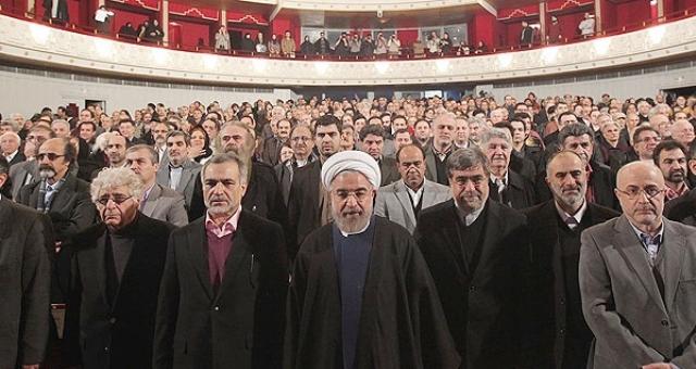 روحانی: هنرمند نه اپوزیسیون است و نه زینت بخش محافل