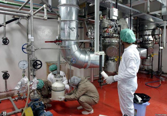 توافق ژنو به اجرا در آمد؛ ایران غنی سازی ۲۰ درصدی را متوقف کرد