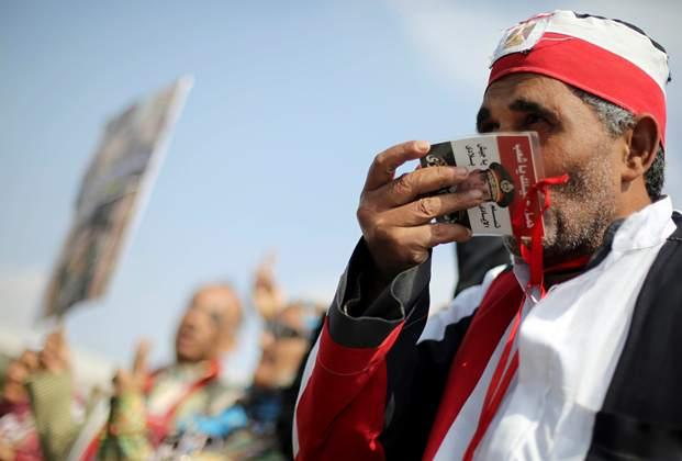 السیسی در مقام ریاست جمهوری جلوه نگاهبانی خود را از دست میدهد