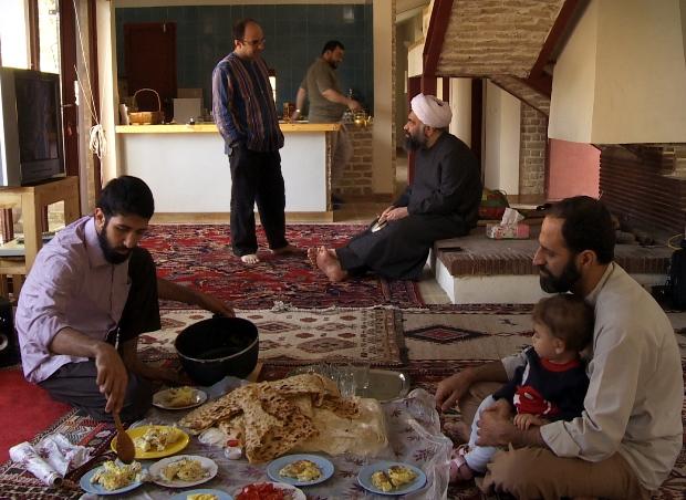 حجاب و حکومت اسلامی در بحث با چند روحانی