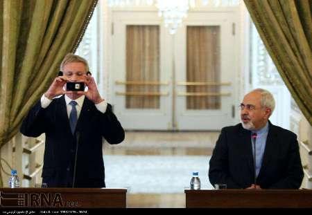 خبرنگاران ایرانی سوژه عکاسی وزیر امورخارجه سوئد شدند