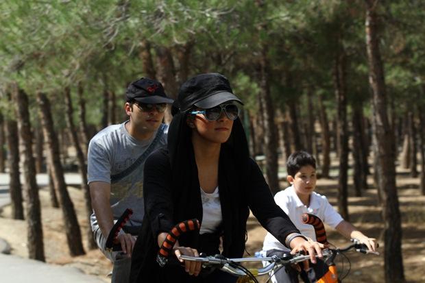 دوچرخه سواری زنان در تهران و ممنوعیت های نانوشته