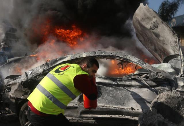 انفجار بمب در برابر دفاتر فرهنگی و خبری ایران در بیروت
