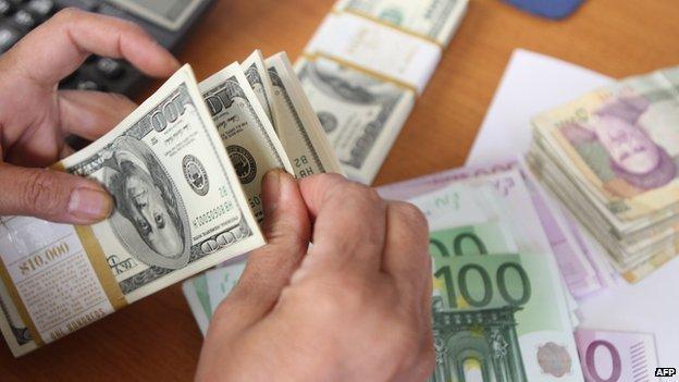 نگاهی گذرا به تحولات بازار ارز در ایران
