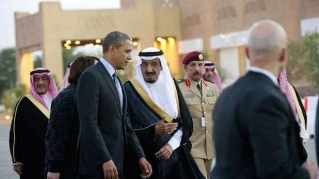 باراک اوباما رئیس جمهور آمریکا در کنار شاهزاده سلمان بن عبدالعزیز ولیعهد عربستان سعودی - عکس از خبرگزاری فرانسه