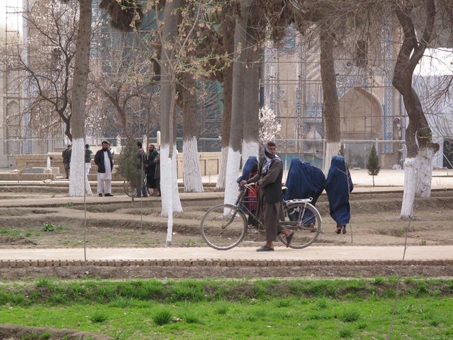 گزارش تصویری از آرامگاه رابعه بلخی در بلخ