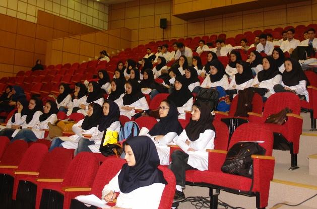 محدود شدن پذیرش دانشجویان دختر در رشته های پزشکی
