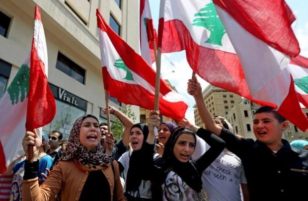 پرچم لبنان-عکس تزیینی-آسوشیتدپرس