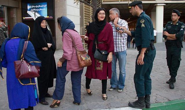 رئیس پلیس ایران: گشت ارشاد سراغ آدمهای بیفرهنگ میرود