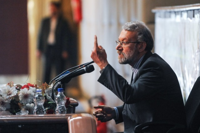 تشدید تاییدها و انتقادها در آستانه دور جدید مذاکرات هسته ای ایران و گروه ۱+۵